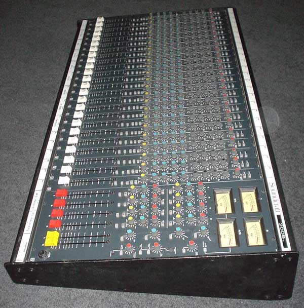 Soundcraft 200B mixing console side view