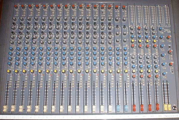 Soundcraft 200 Delta mixing console top view