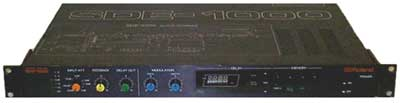 Roland SDE1000 programmable digital delay / echo effects processor